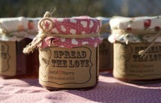 bloved-wedding-blog-supplier-spotlight-wedding-in-a-teacup-handmade-and-fabulous-finds-jam-jar-favour