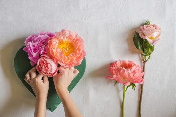 Fresh Floral Heart DIY with Roses & Peonies (6)