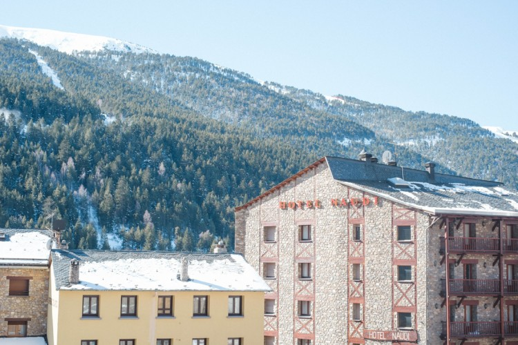 TRAVEL INSPIRATION: SKIING WITH KIDS